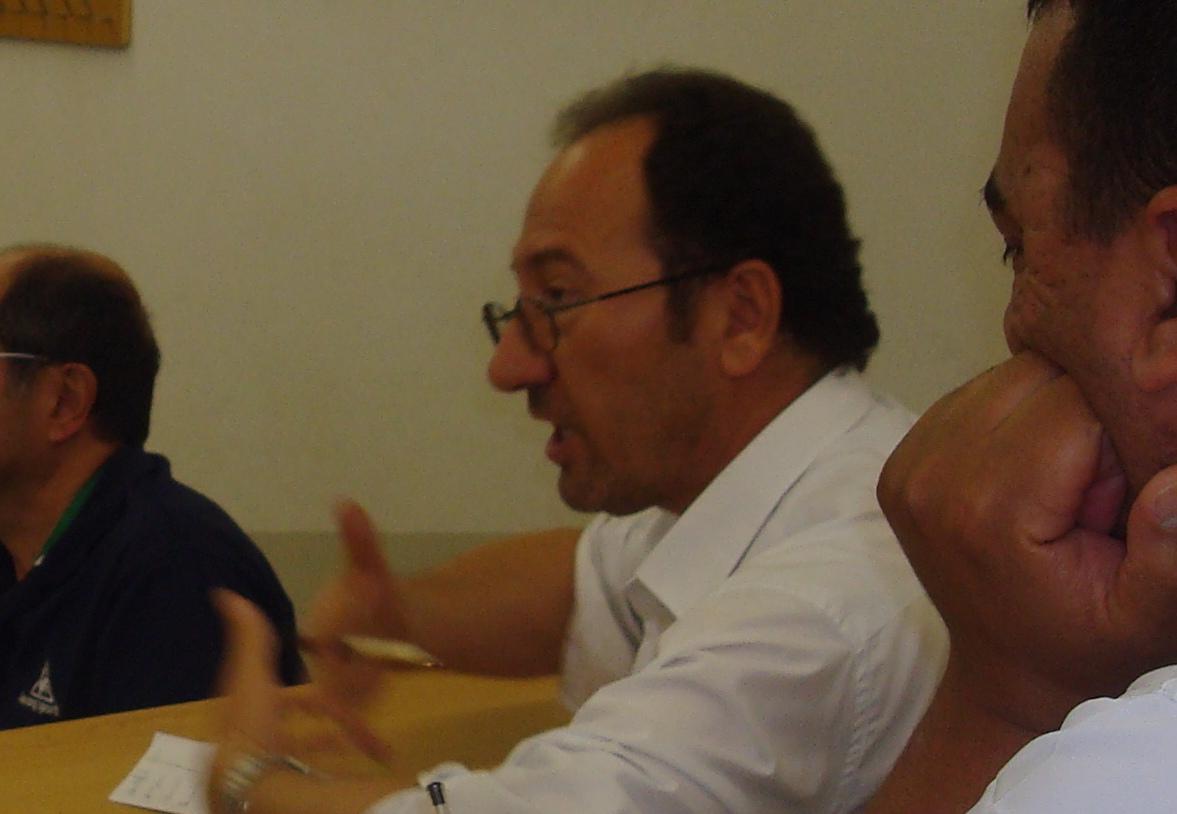 Dr. Najib Abu Warda, profesor de relaciones internacionales de la Facultad  de Ciencias de la Información