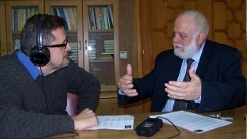 Radio Dos Luces  entrevista a Riay Tatary