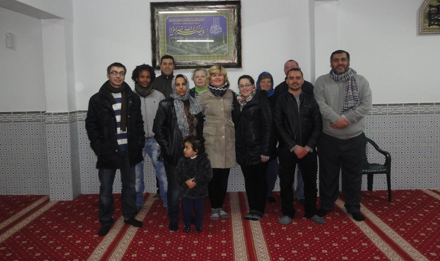 La asociación de Inmigrantes de Montijo visita la Mezquita de Badajoz