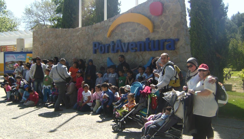 Al-IJLAS organiza una excursión al parque de atracciones Portaventura
