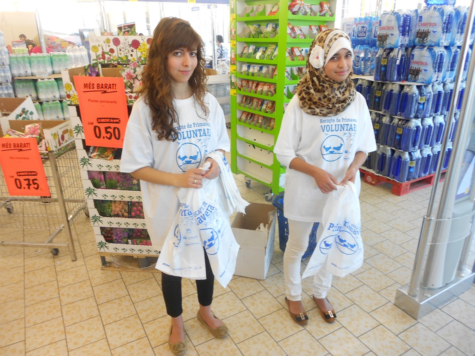 los musulmanes de Balaguer participan en  la recogida de alimentos.