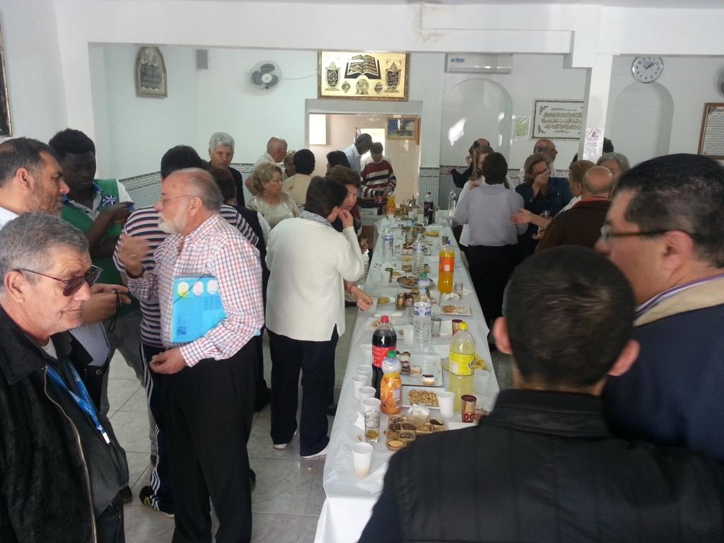 La comunidad musulmana de Badajoz recibe sus vecinos en su III Jornada de Puertas Abiertas