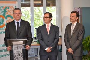 El Ministro de Justicia inaugura la sede de la Fundación Pluralismo