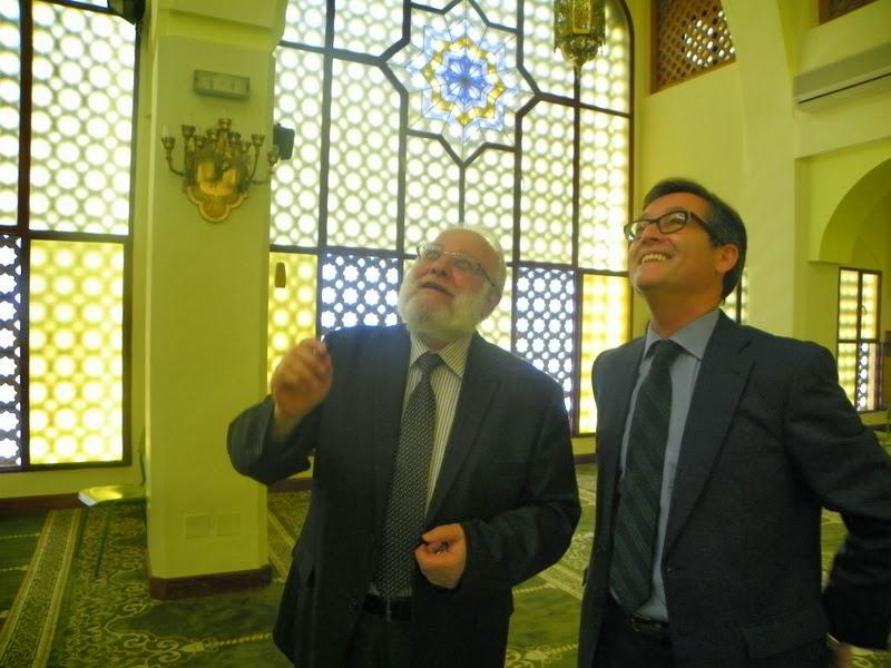 El director general durante su visita a la Mezquita Central de Madrid, en junio de este año. Foto: UCIDE