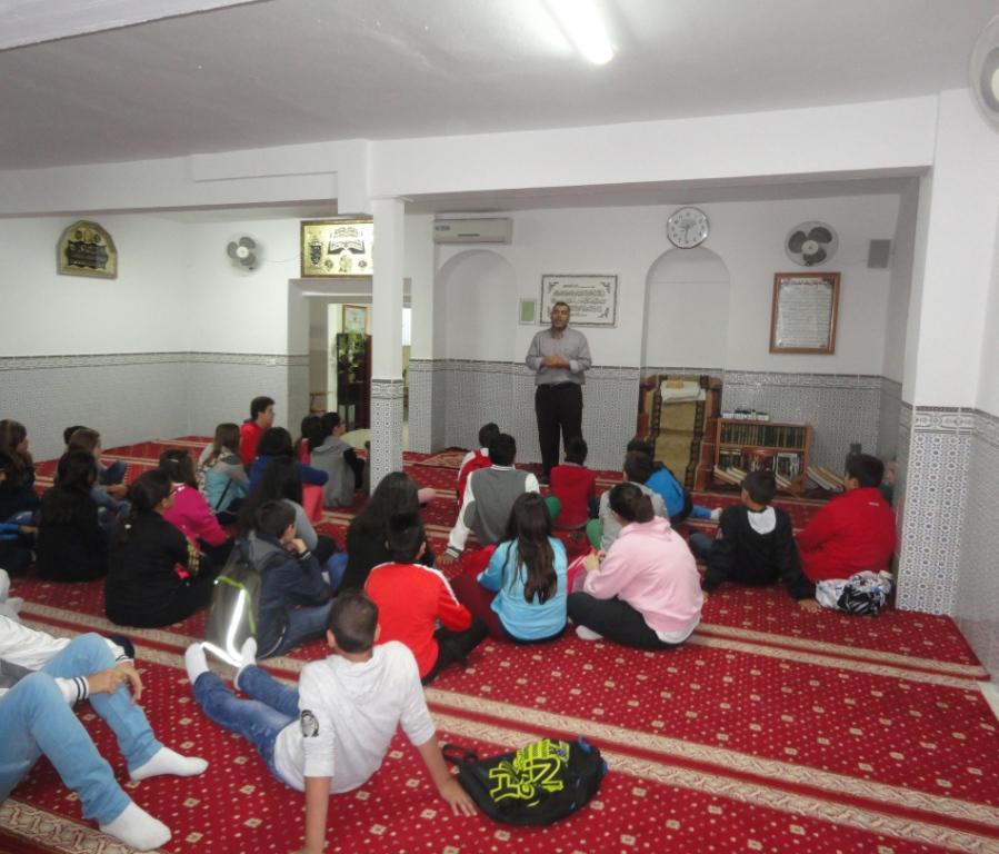 "El Instituto ""Extremadura"" de Mérida visita la Mezquita de Badajoz"