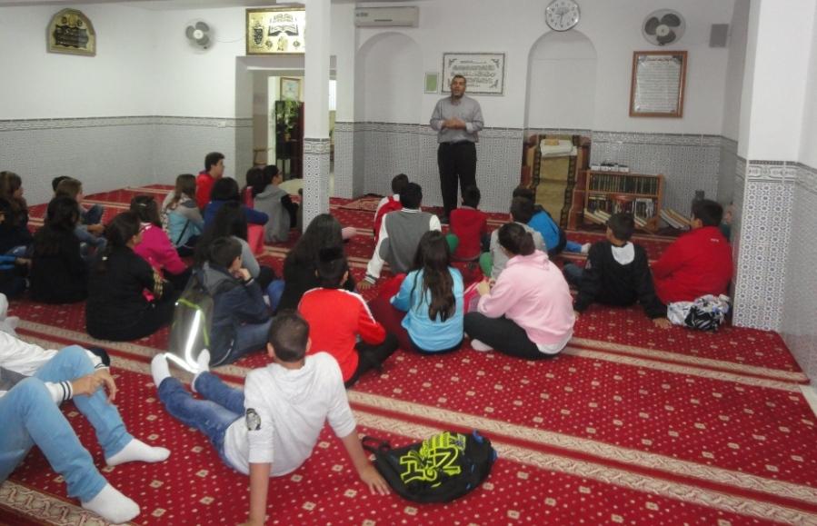 مسجد بداخوث يفتح أبوابه امام طلاب معهد إكستريمادورا بميريدا