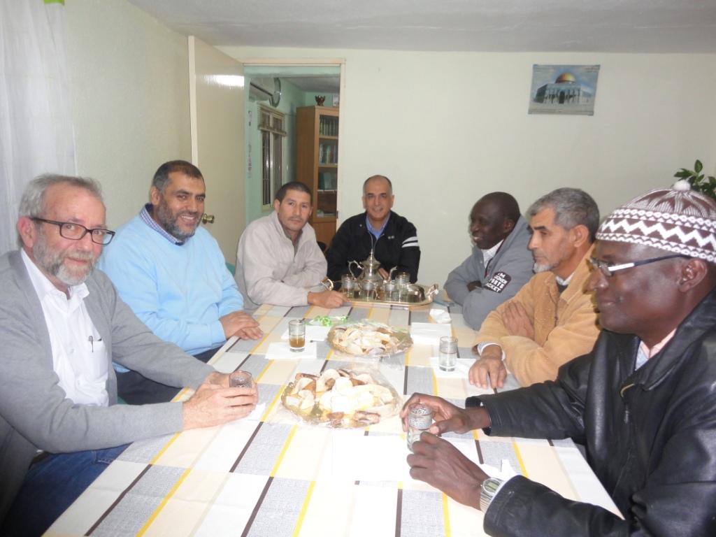 El director del Museo arqueológico de Badajoz visita la Mezquita de Badajoz