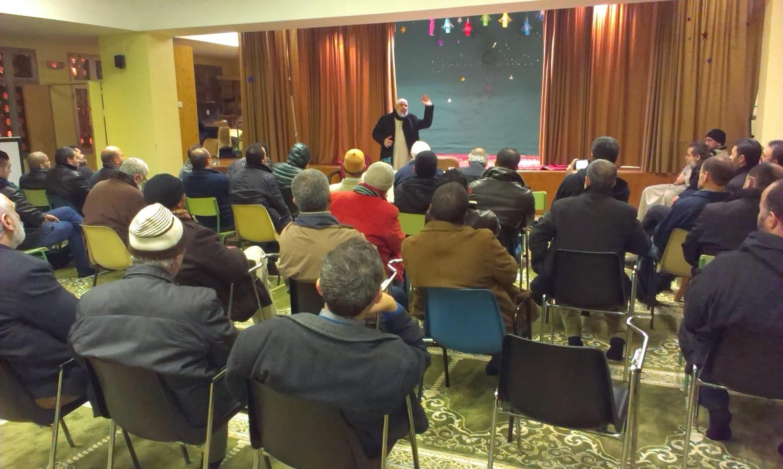 El Shaij Abdesalam Al Basiuni, diserta sobre la renovación de las virtudes y valores islámicos en las almas