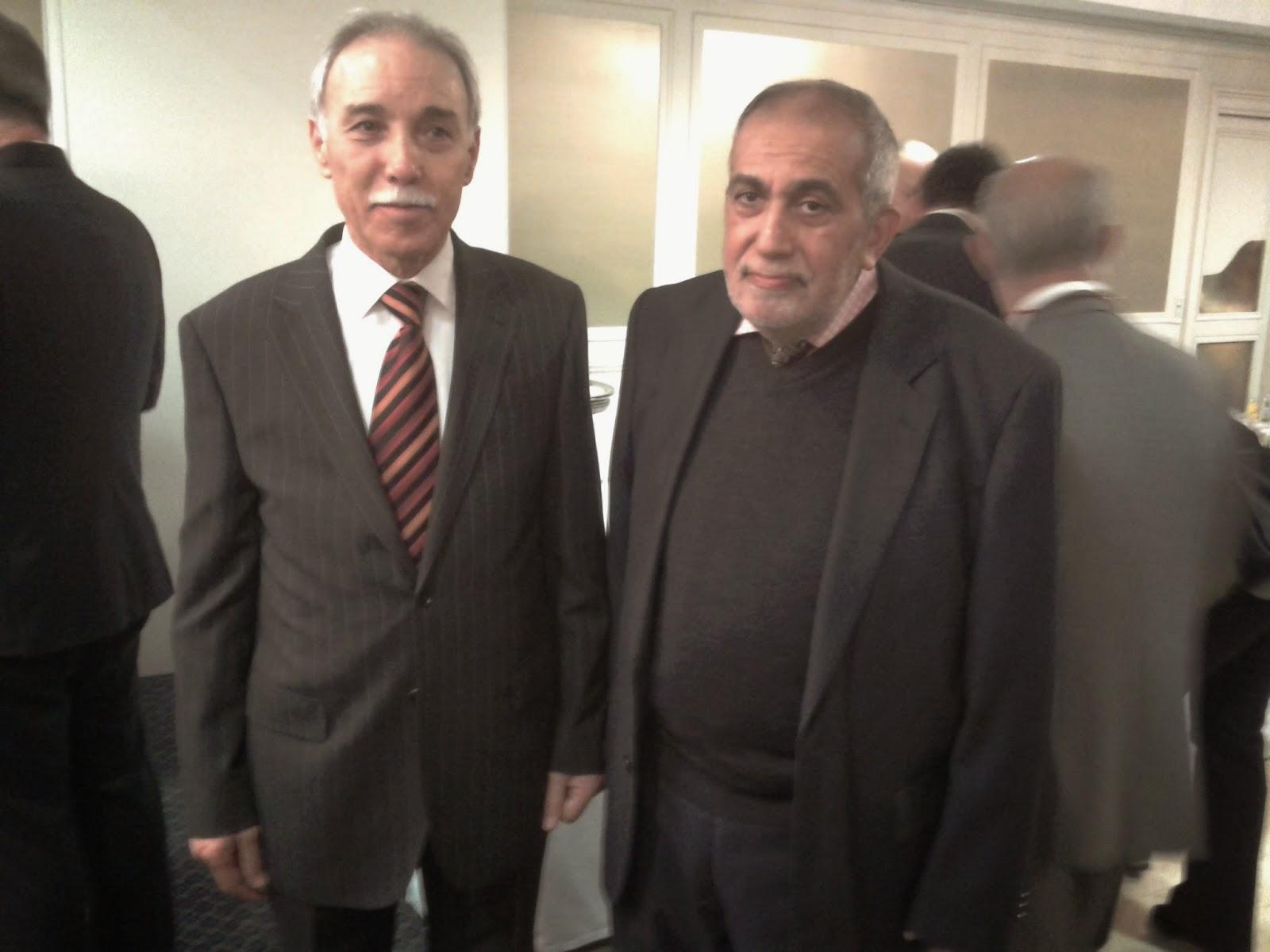 السفير الليبي مع هلال عبوشي ، مدير العلاقات الرسمية بالمفوضية الإسلامية الإسبانية