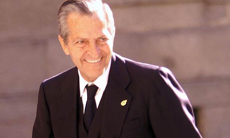Tatary ofreció hoy sus condolencias a la familia de Adolfo Suárez González