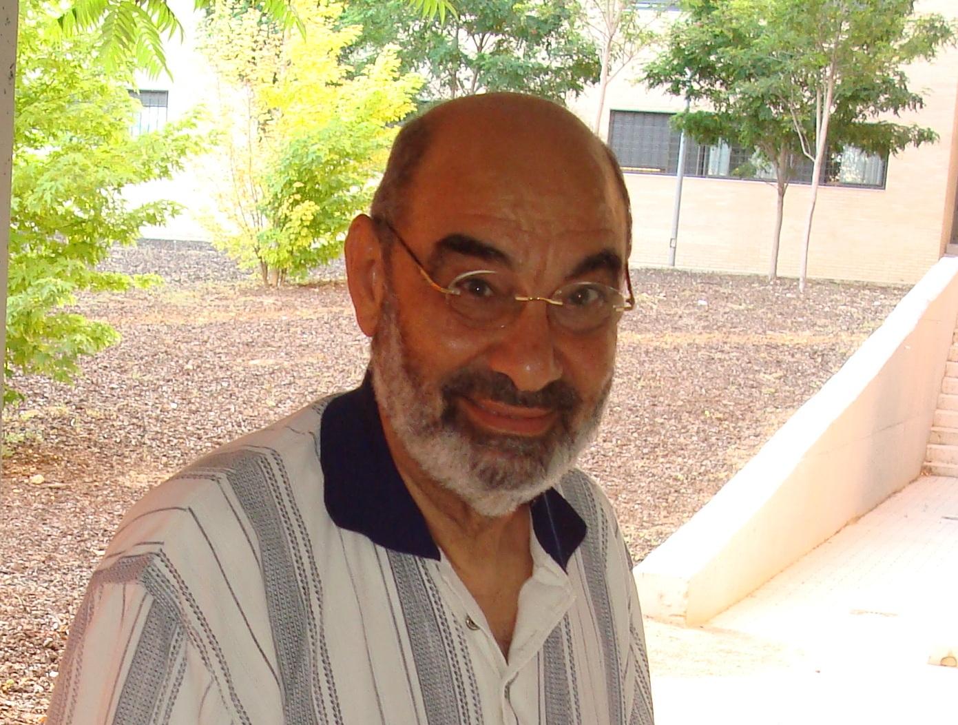 الأستاذ الشيخ إسماعيل الكيلاني ،