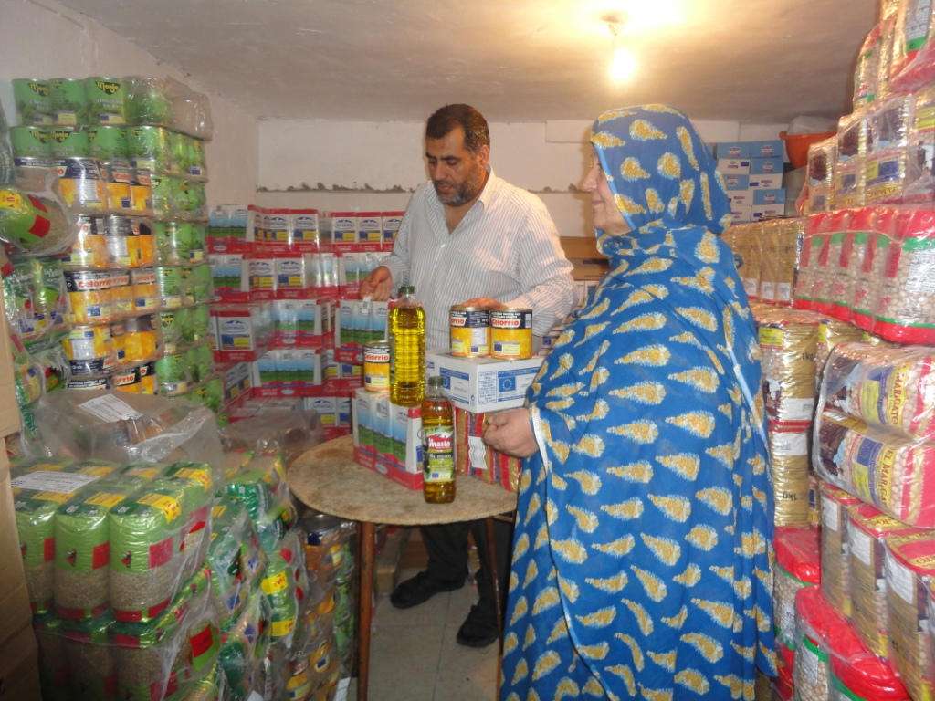 Distribución de alimentos en la Mezquita de Badajoz