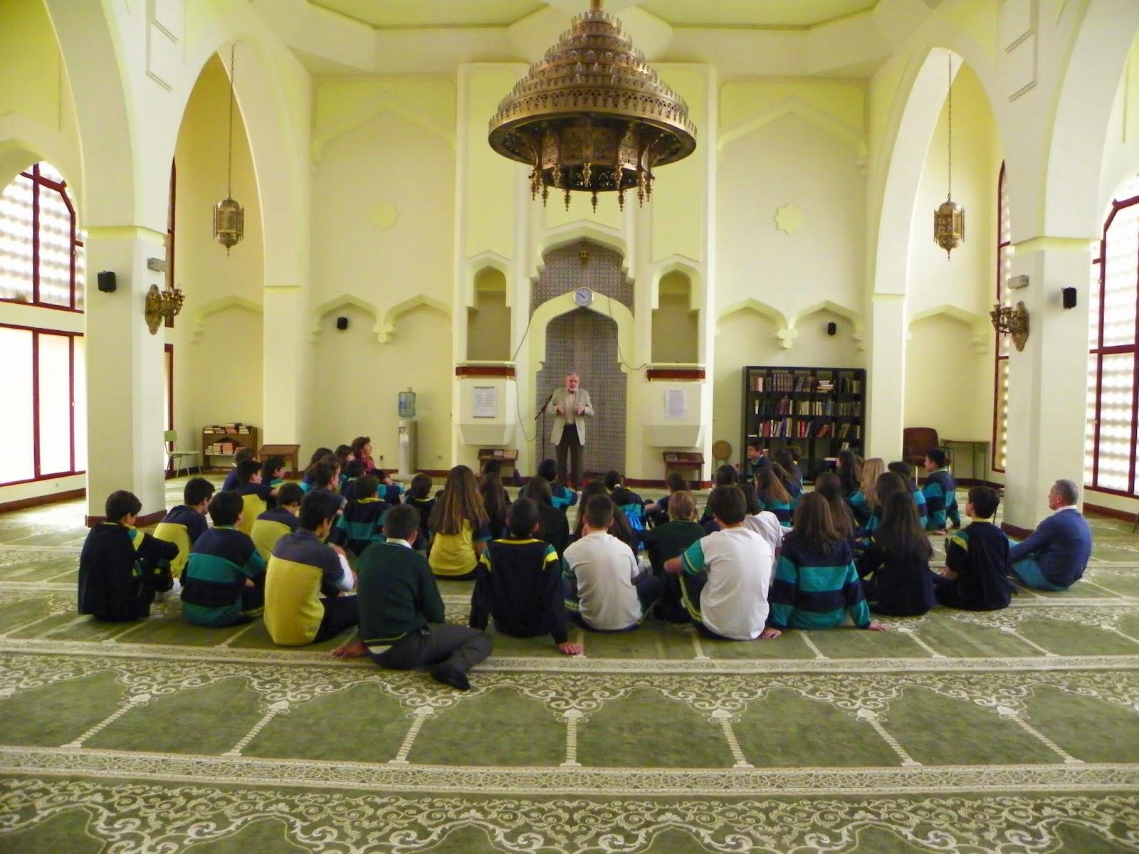 El colegio Mirabal de Boadilla del Monte visita la Mezquita Central de Madrid