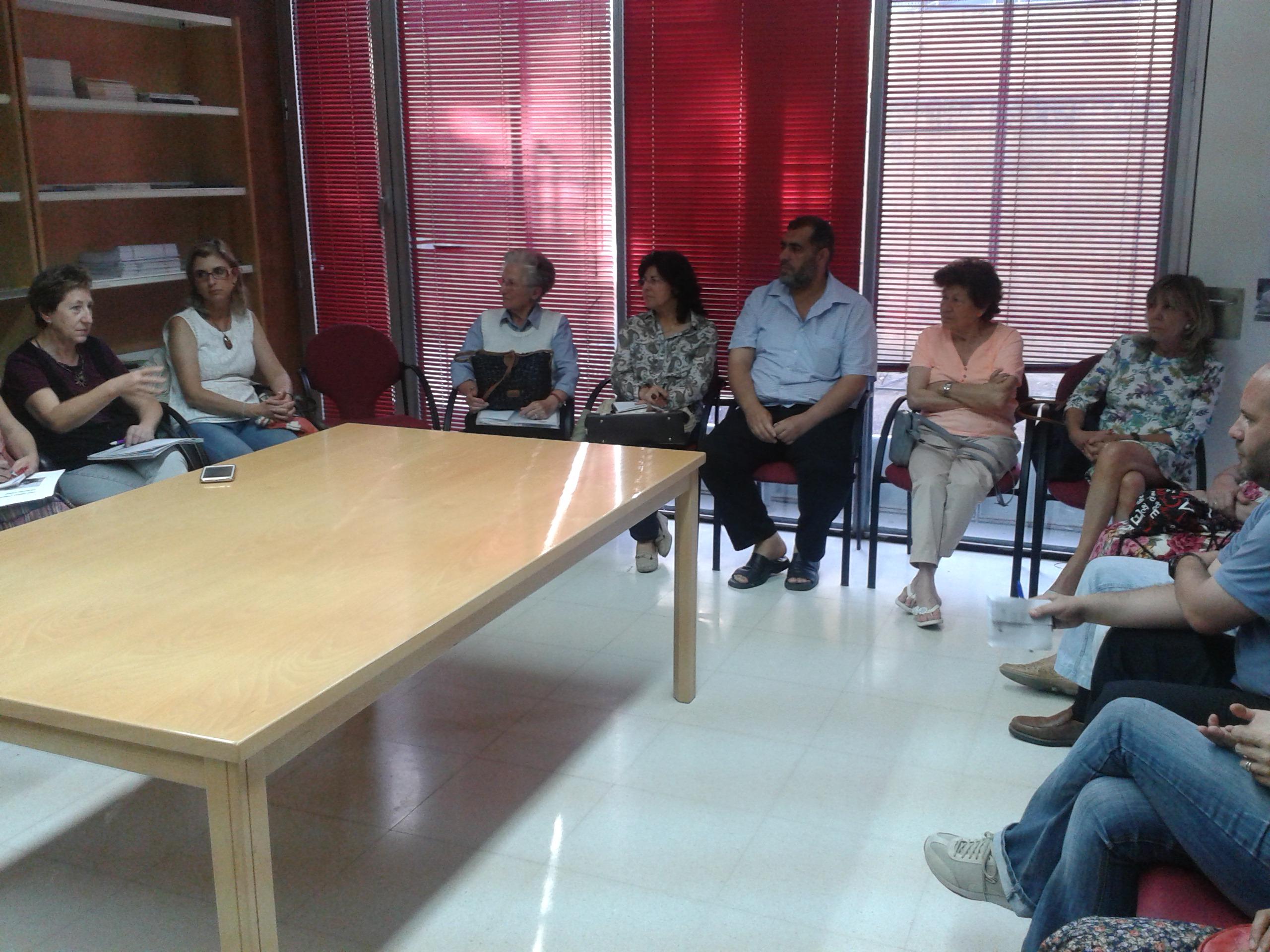 El imam de la Mezquita de Badajoz asiste a la reunión de la Comisión Comunitaria de Salud