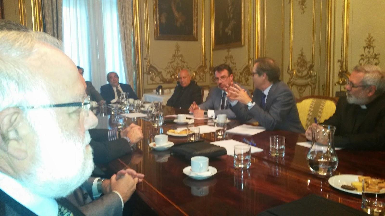 Reunión informativa sobre reformas legislativas