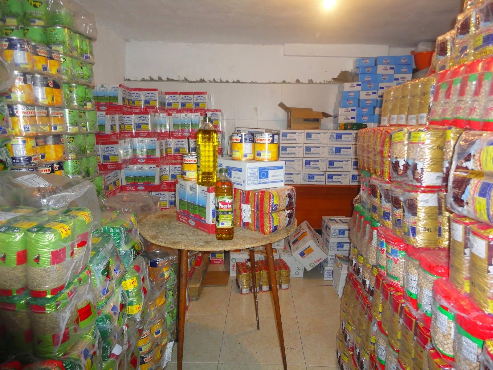 Distribución de alimentos para familias necesitadas