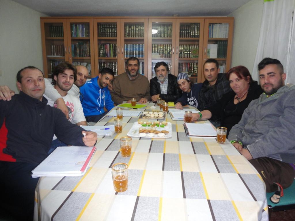Adel Najjar recibe a los alumno del Centro Educativo de Personas Adultos CEPA
