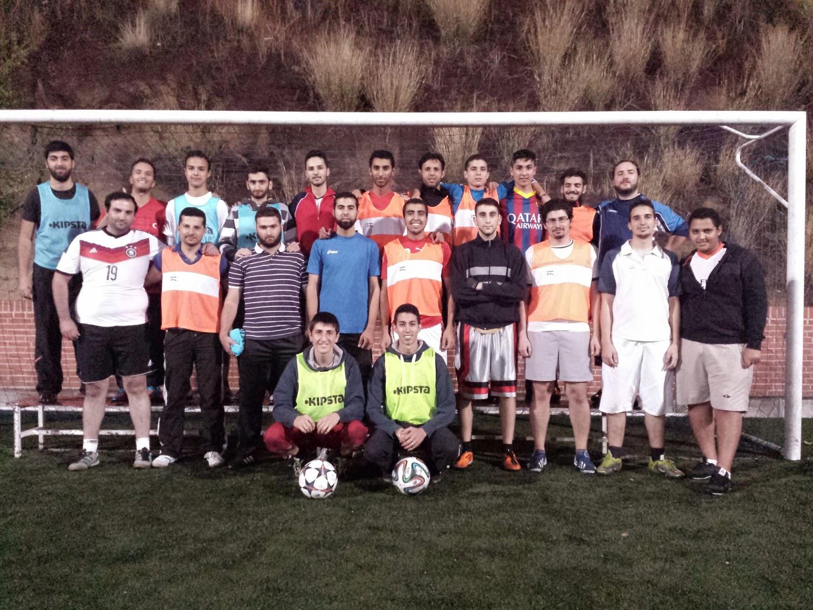 El equipo de futbol Al Aman de Madrid celebra su tercer aniversario