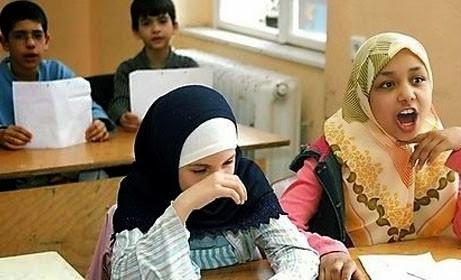 الحكومة الإسبانية تشرع مادة الدين الإسلامي في المدارس الحكومية
