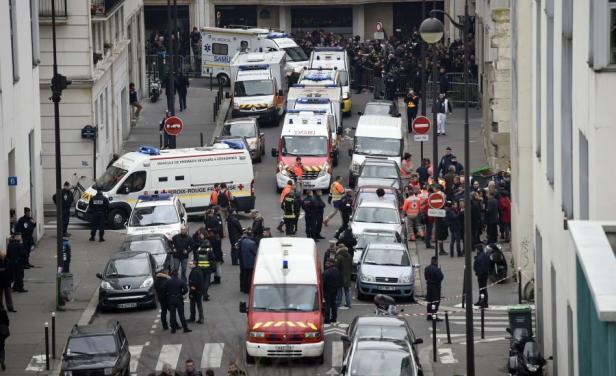 المسلمون في إسبانيا يشجبون هجوم باريس الإجرامي