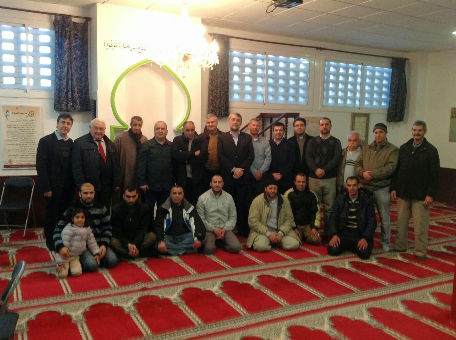 El GTER contra las pintadas improcedentes en la Mezquita de Montmeló