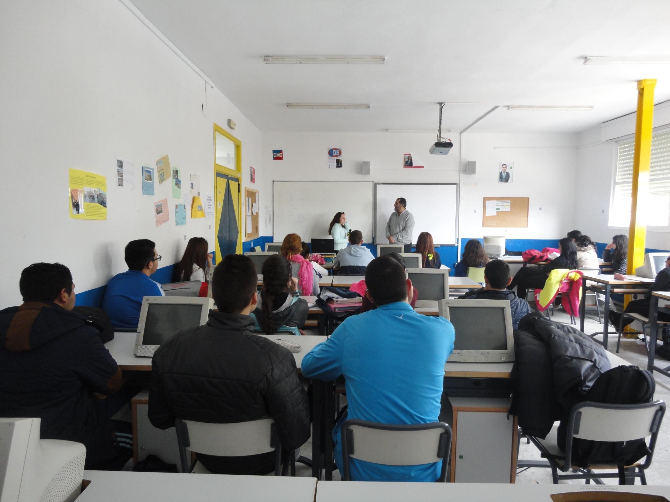 Charla con los alumnos de Bachillerato del Instituto de San José de Badajoz