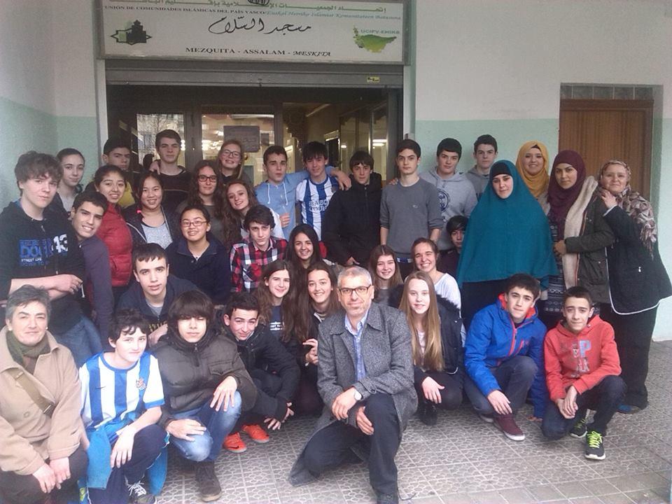 Visita del instituto de San Sebastián a la Mezquita Assalam de Bilbao