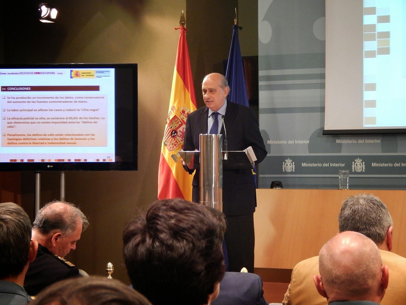 El ministro del Interior, Jorge Fernández Díaz, durante la presentación del Informe 2014 sobre los delitos de odio en España