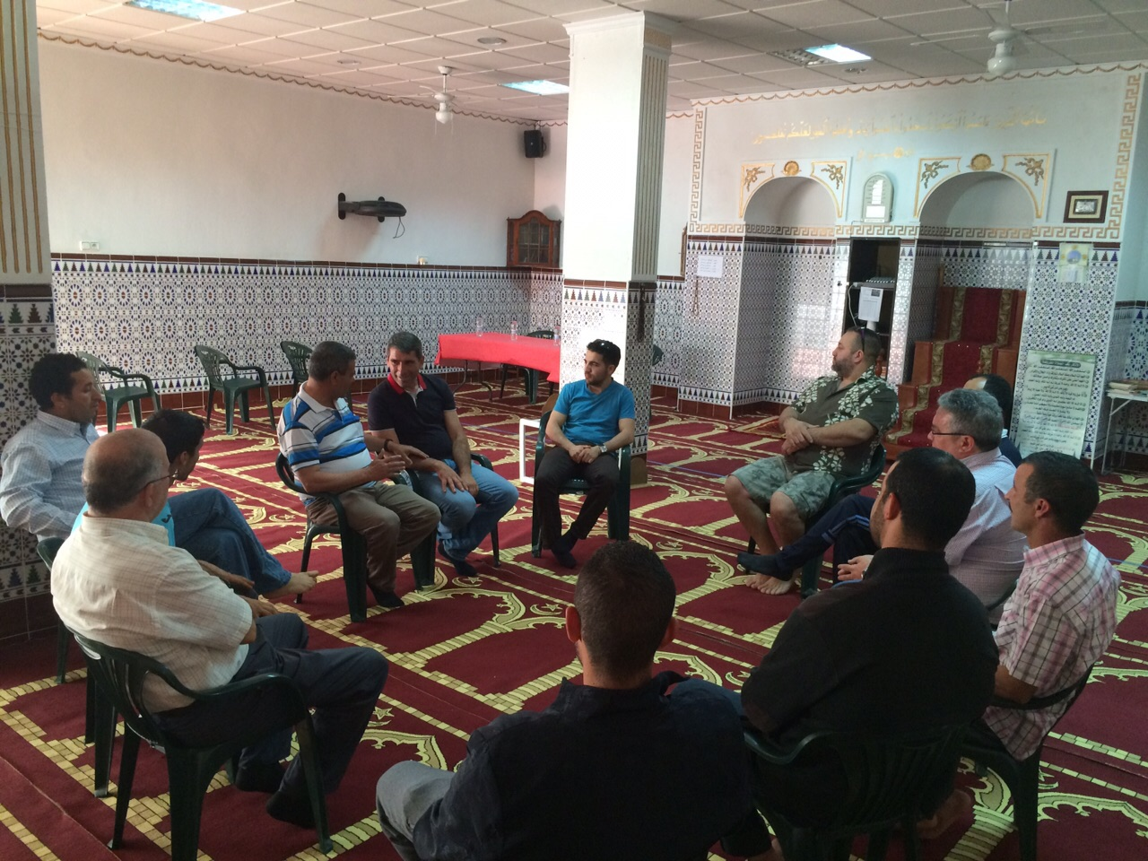 El candidato a la alcaldía de Plasencia  por el PSOE visita los musulmanes