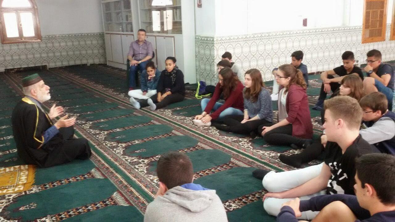 Visita anual del instituto marítimo a la comunidad islamica de valencia