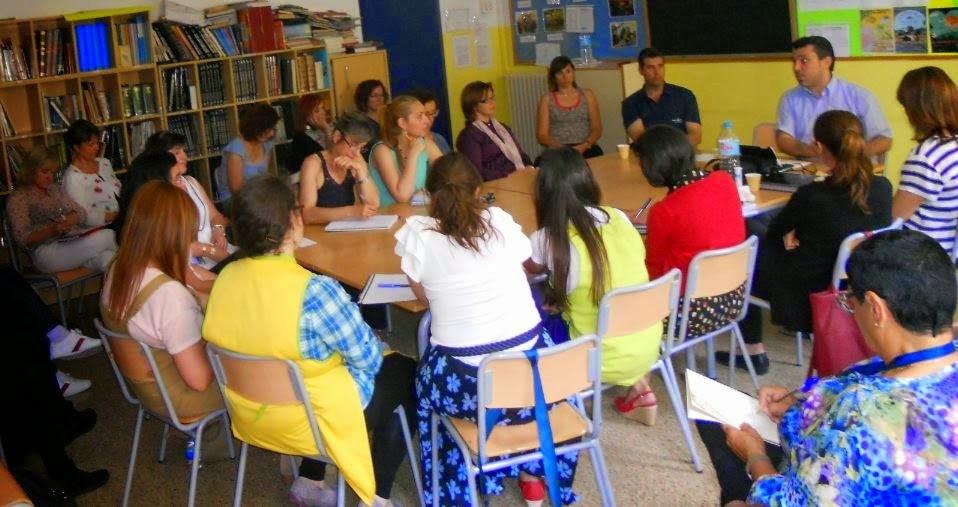 El presidente de UCIDCAT interviene ante el profesorado de la escuela Virgen de Montserrat de Terrassa