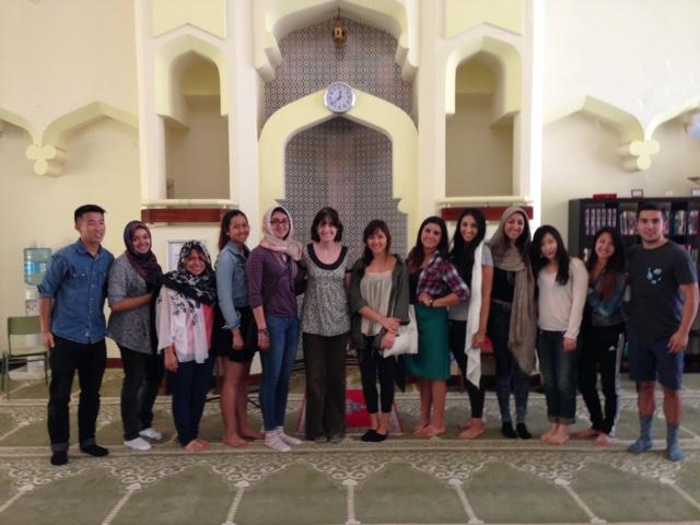 Visita de Grupo de estudiantes de la Universidad de California a la Mezquita Central de Madrid