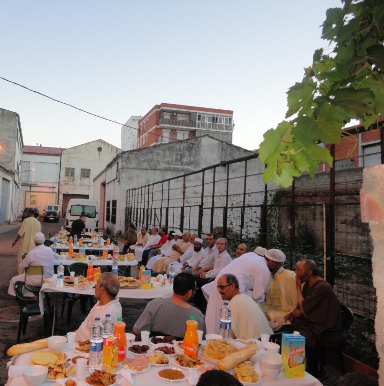 Ucidex organiza una jornada de Iftar (Ruptura de ayuno) en Plasencia