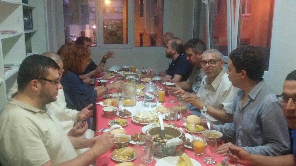 Iftar con presencia de concejales y técnicos del Excelentísimo Ayuntamiento de Bilbao.