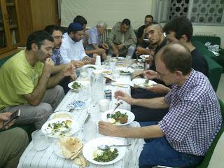 Iftar para los nuevos musulmanes en la Mezquita Central de Madrid