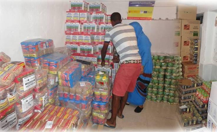 Distribución de alimentos en la Mezuita de Badajoz