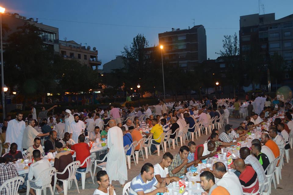 Excelente Iftar abierto para la convivencia con participación en la fiesta Mayor de Terrassa