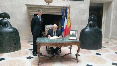 firma_libro_embajada_francia1